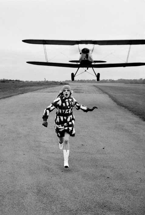 8_Helmut Newton, British Vogue, London 1967